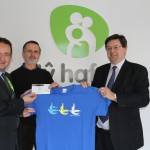 David Craig and Keith Morgan, are pictured (centre and right) presenting a cheque for £500 to Richard Moremon, Ty Hafan Head of Strategic Relationships.